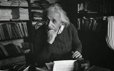 آخرین جمله ای که آلبرت انیشتین قبل از مرگش گفت دلایل موفقیت انیشتن راز موفقیت انیشتن سخنان انیشتن در مورد زندگی سخنان انیشتین درباره قرآن سخنان انیشتین در مورد خدا 10 درس طلایی از آلبرت انیشتین علت مرگ انیشتین