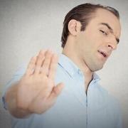 در آموزش چگونه از بروز دلخوری و ناراحتی جلوگیری کنیم به مباحث زیر می پردازیم:چطوری نگذاریم در زندگی ناراحت و دلخور بشیم؟ریشه اساسی ناراحتی و دلخوری و ناراحت شدن شما چیه؟یک درک جدید از کسایی که ازشون ناراحت و دلخوریمالگو پذیری از کلام امام علی در برخورد با افرادبرخورد ما در هنگام مواجه با انتقاد دیگران به چه صورت باید باشد؟